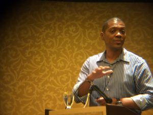 Ronell Smith public speaking at marketing event DFWSEM